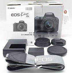 キャノン EOS Kiss X9 + EF-S 18-55mm F4-5.6 IS STM (シルバー)